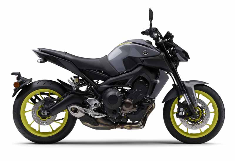 yamaha-exhibited-the-mt-09-in-the-revamped-version-of-intermot-201620161008-1