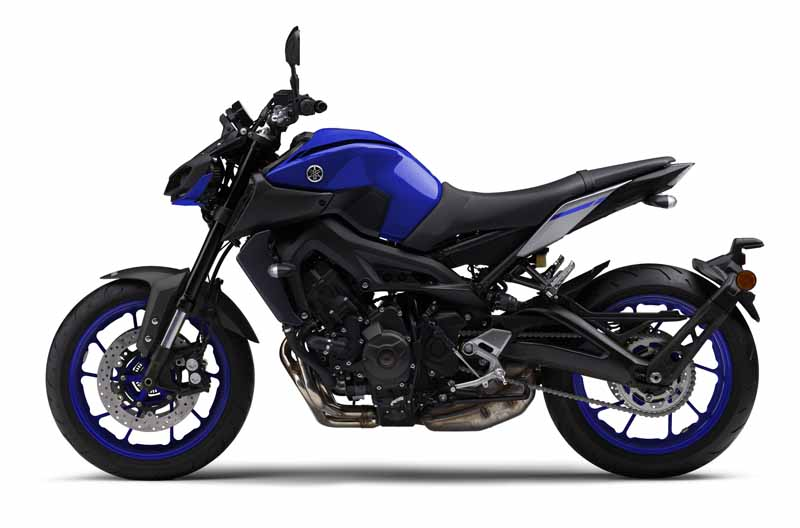 yamaha-exhibited-the-mt-09-in-the-revamped-version-of-intermot-201620161008-3