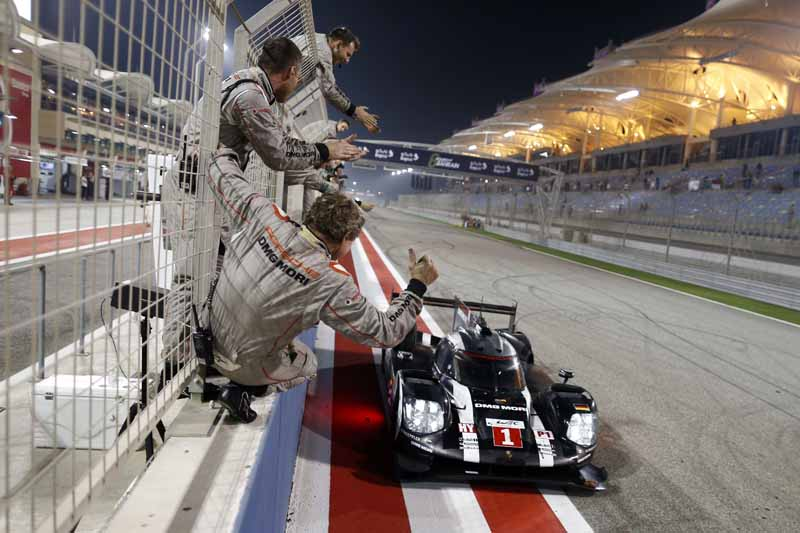 last-9-races-of-the-world-endurance-championship-wec-%c2%b7-bahrain-audi-r18-decorate-the-flowerway-withdrawing-as-a-top-monopoly20161121-7