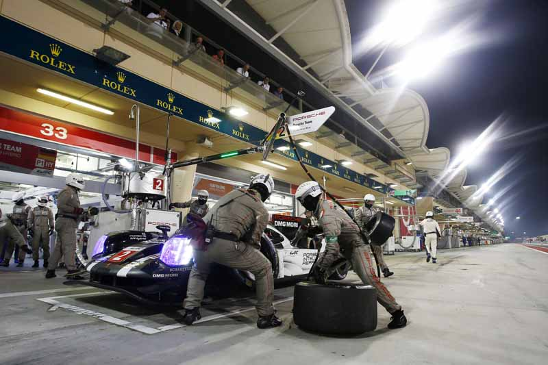 last-9-races-of-the-world-endurance-championship-wec-%c2%b7-bahrain-audi-r18-decorate-the-flowerway-withdrawing-as-a-top-monopoly20161121-8