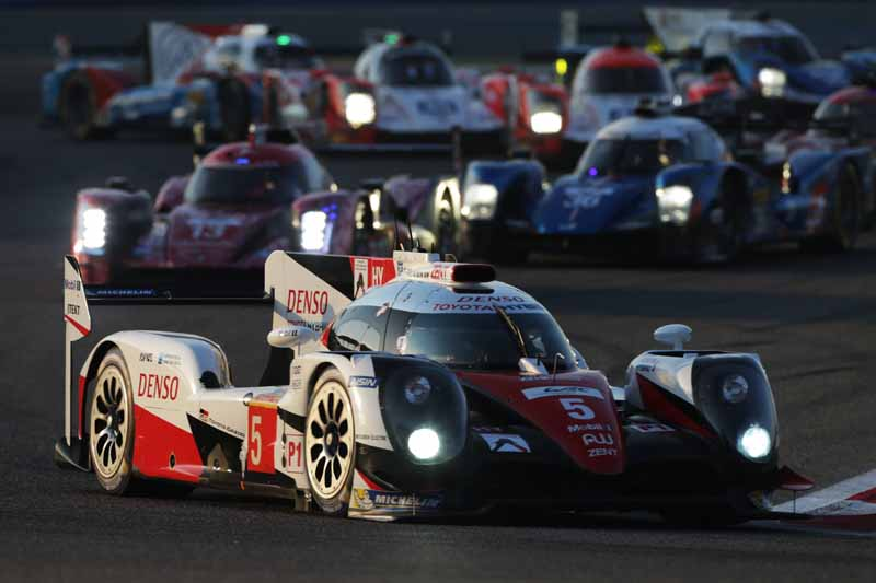 last-9-races-of-the-world-endurance-championship-wec-%c2%b7-bahrain-audi-r18-decorate-the-flowerway-withdrawing-as-a-top-monopoly20161121-25