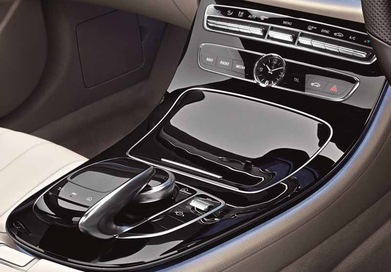 mercedes-%c2%b7-benz-japan-launches-the-new-e-class-station-wagon20161130-13