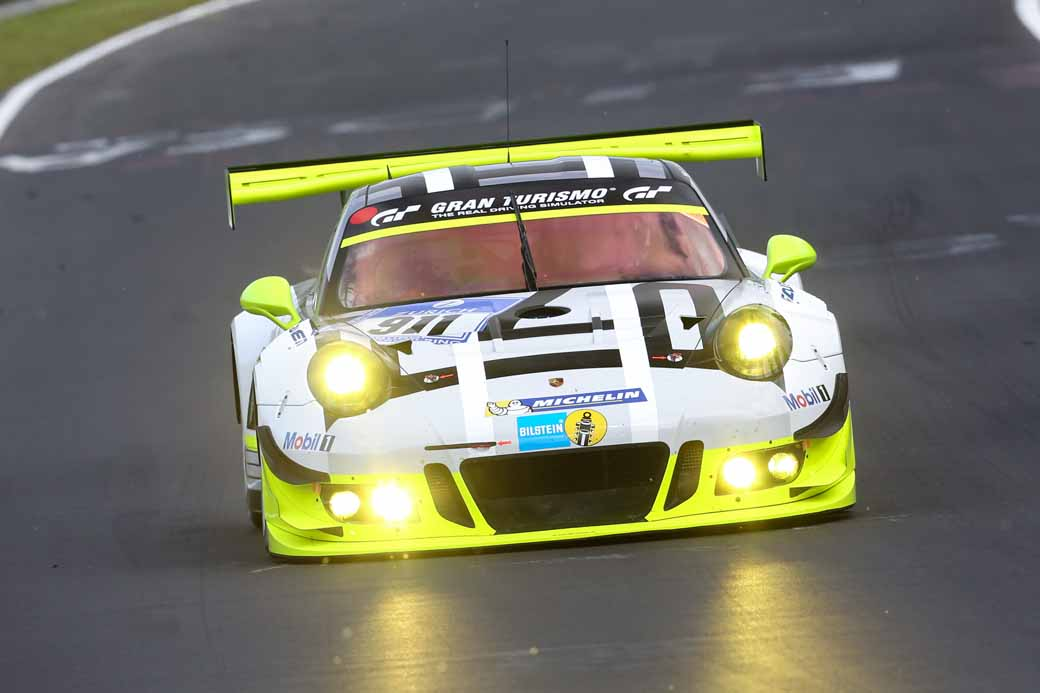 porsche-launches-two-911-gt-3-r-in-fia-gt-world-cup-%c2%b7-macao20161115-4