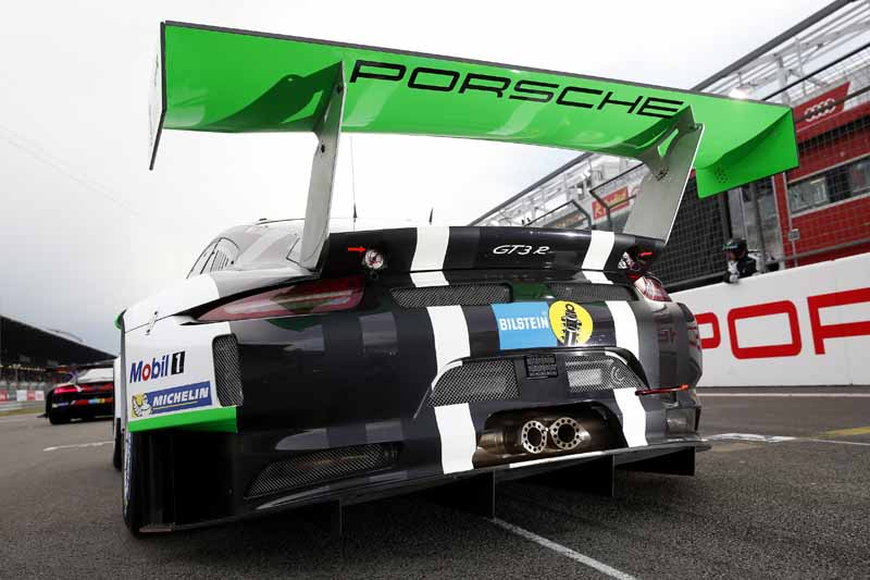 porsche-launches-two-911-gt-3-r-in-fia-gt-world-cup-%c2%b7-macao20161115-5