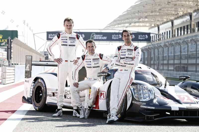 last-9-races-of-the-world-endurance-championship-wec-%c2%b7-bahrain-audi-r18-decorate-the-flowerway-withdrawing-as-a-top-monopoly20161121-2