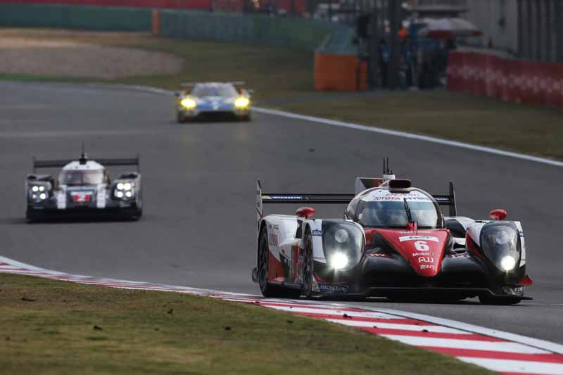 checker-world-endurance-championship-wec-round-8-shanghai-porsche-is-in-the-first-place-bite-into-the-toyota-camp-2-third-place20161107-19