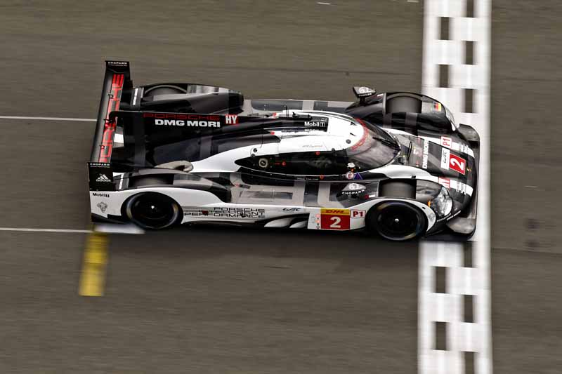 checker-world-endurance-championship-wec-round-8-shanghai-porsche-is-in-the-first-place-bite-into-the-toyota-camp-2-third-place20161107-8