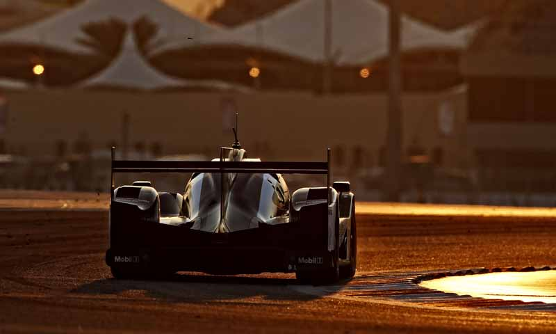 last-9-races-of-the-world-endurance-championship-wec-%c2%b7-bahrain-audi-r18-decorate-the-flowerway-withdrawing-as-a-top-monopoly20161121-13