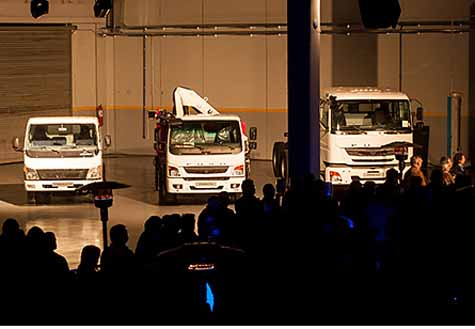 fuso-re-enters-the-uruguay-market-with-three-models-of-small-truck-canter20161114-1