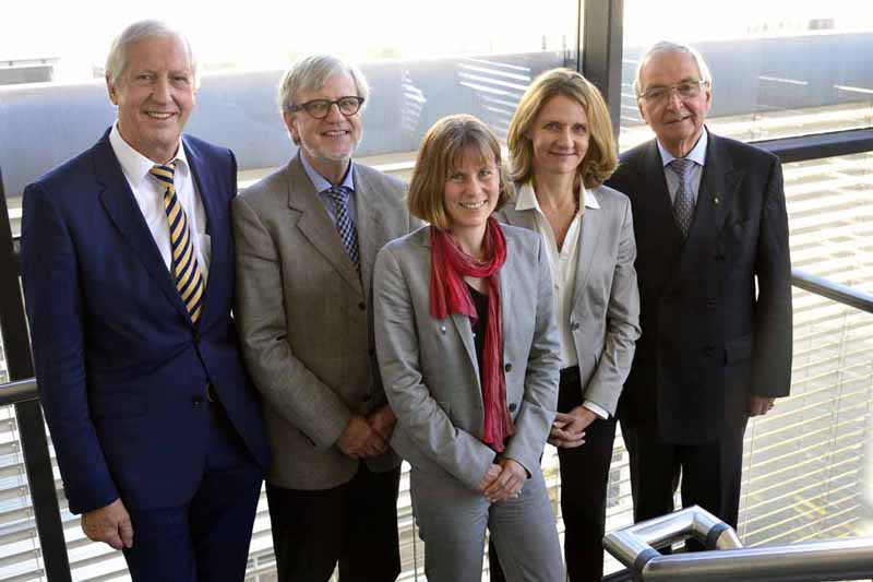 germany-porsche-ag-dialogue-with-prominent-sustainability-experts-aiming-for-sustainability-in-corporate-activities20161130-3