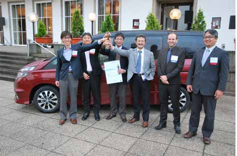 nissans-new-selena-wins-the-2016-german-innovation-award-with-door-structure-technology20161122-1