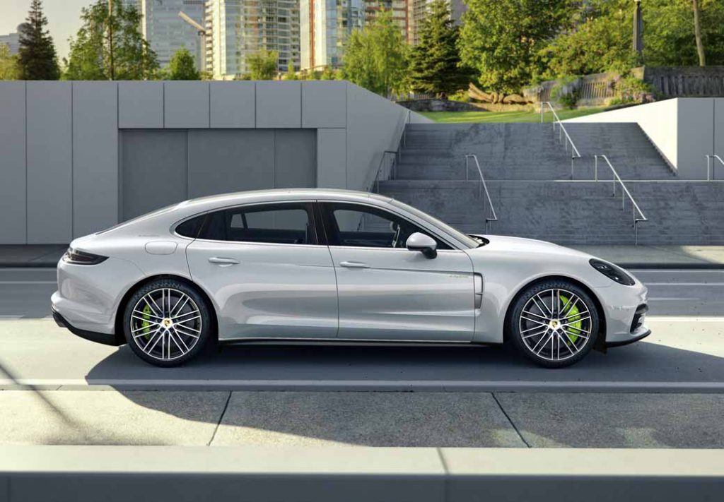 porsche-ag-conducts-the-world-premiere-of-panamera-executive-model-and-911-rsr20161120-99