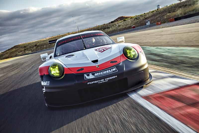 porsche-new-911-rsr-debuted-at-the-daytona-24-hour-race-in-january-201720161118-2