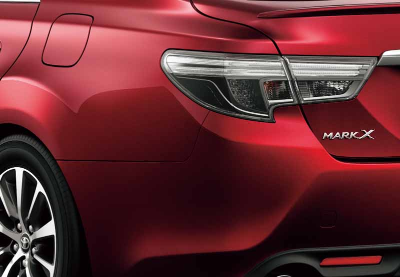 toyota-motor-mark-x-is-a-minor-change-sharpen-the-front-mask-and-dilute-conservative-feeling2016112423