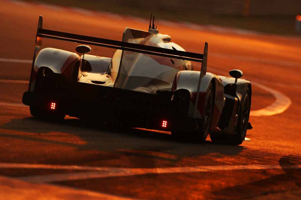 toyota-ts-050-hybrid-challenge-the-final-game-aiming-for-the-reversing-drivers-championship-at-wec20161116-1