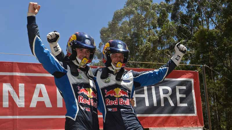 volkswagen-decorate-the-finish-of-the-last-in-wrc-2016-final-rally-australia-1-2-20161121-5