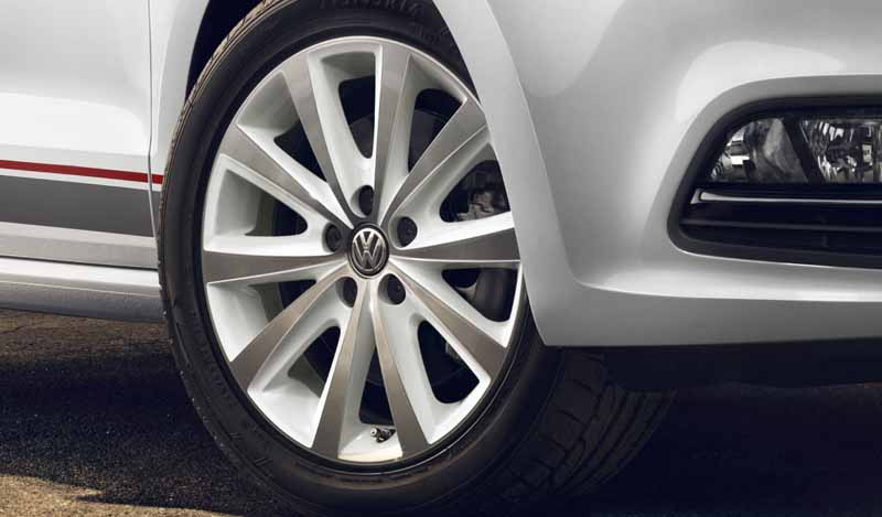 volkswagen-launched-the-acoustic-brand-and-collaboration-was-polo-with-beats-in-the-limited-400-units20161102-9