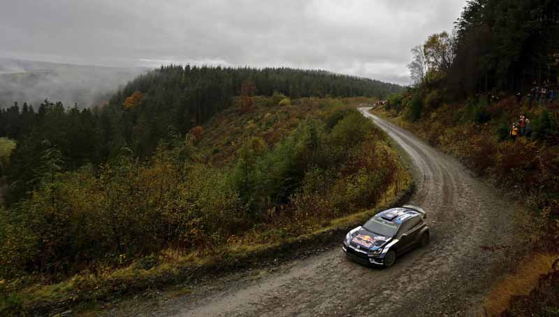 volkswagen-won-the-fourth-consecutive-year-the-fourth-time-of-the-manufacturers-title-in-the-wrc20161104-15