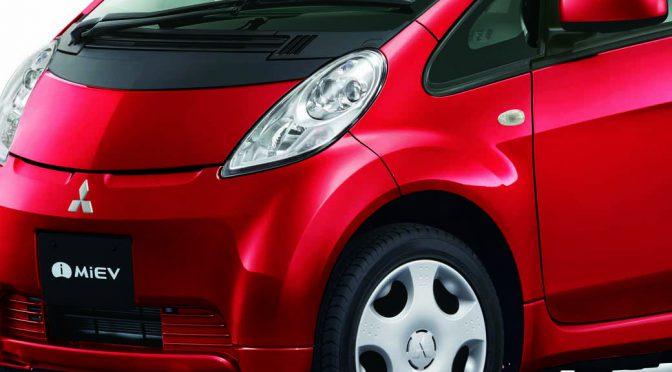 三菱自動車工業、EV「i-MiEV(アイ・ミーブ)」の質感・回生ブレーキ機能などを改良して発売