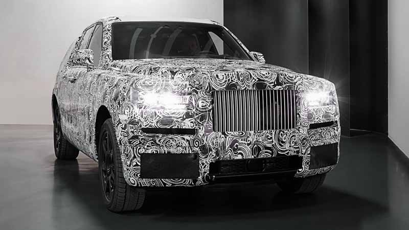 rolls-royces-suv-project-cullinan-to-the-extreme-cold-arctic-circle-and-even-a-burning-middle-east-test-digest20161203-1