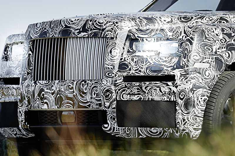 rolls-royces-suv-project-cullinan-to-the-extreme-cold-arctic-circle-and-even-a-burning-middle-east-test-digest20161203-4