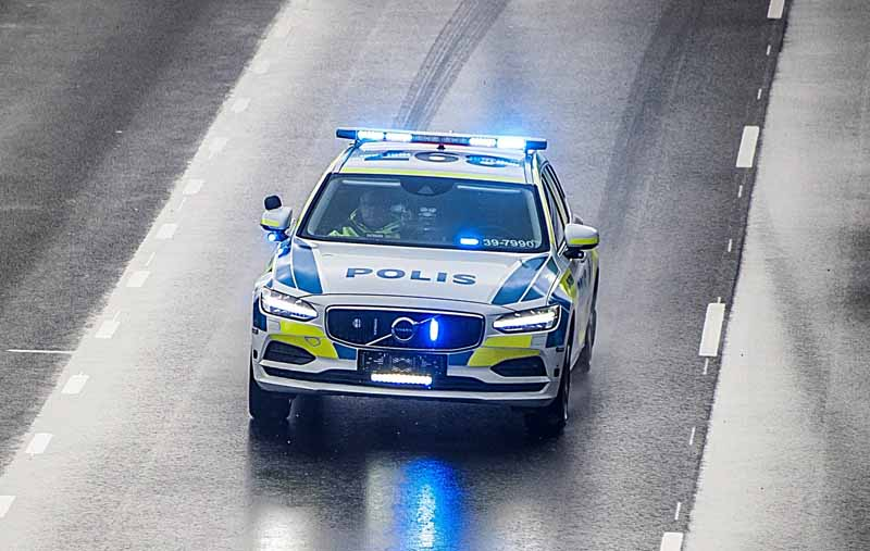 sweden-police-first-adopted-volvo-v-90-for-police-car-acquire-the-highest-score-in-a-tough-vehicle-test20161205-1