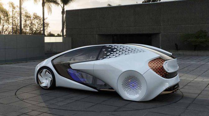 トヨタ自動車、米・CESで近未来の人工知能搭載車を初披露。数年内に国内公道実証実験も開始予定