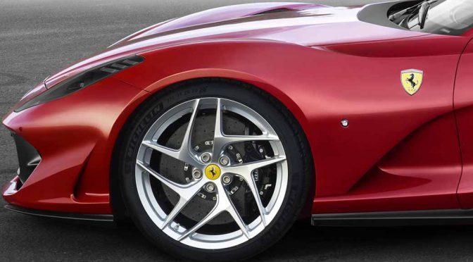 フェラーリ812スーパーファスト、ジュネーブ自動車ショー初披露。新V12は市販最強の800cv