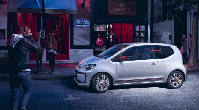 VW、新up!の限定車「up! with beats」と「roof up!」2モデルを発売開始