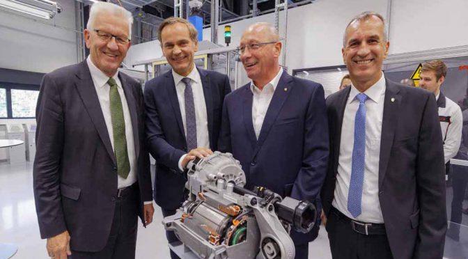 ポルシェ「ミッションE」の生産拠点を、独・ヴュルテンベルク州首相が初視察