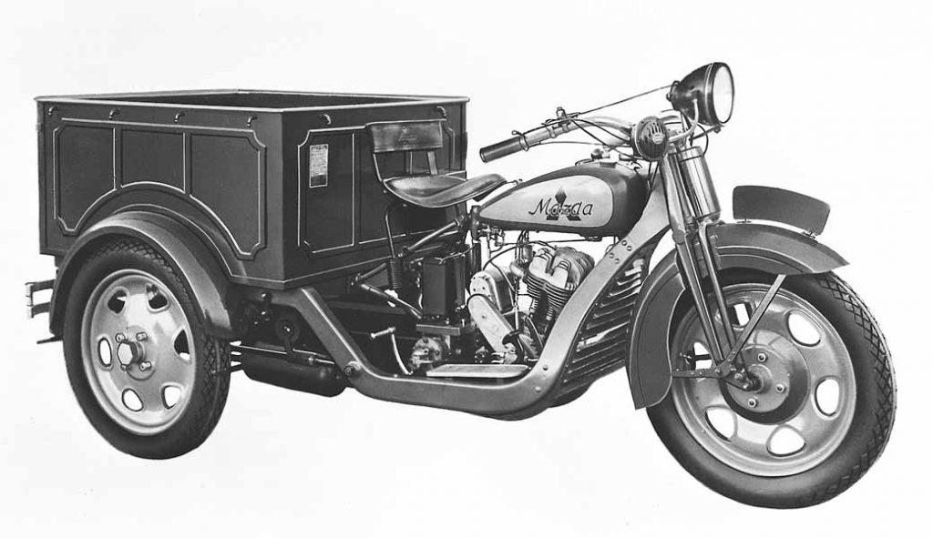 写真はDA型三輪トラック(1931年発売)マツダの第1号車