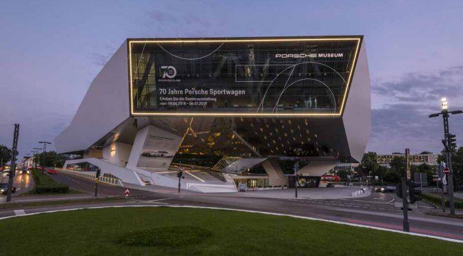 ポルシェミュージアム、自社スポーツカー70周年展の開催式典を実施