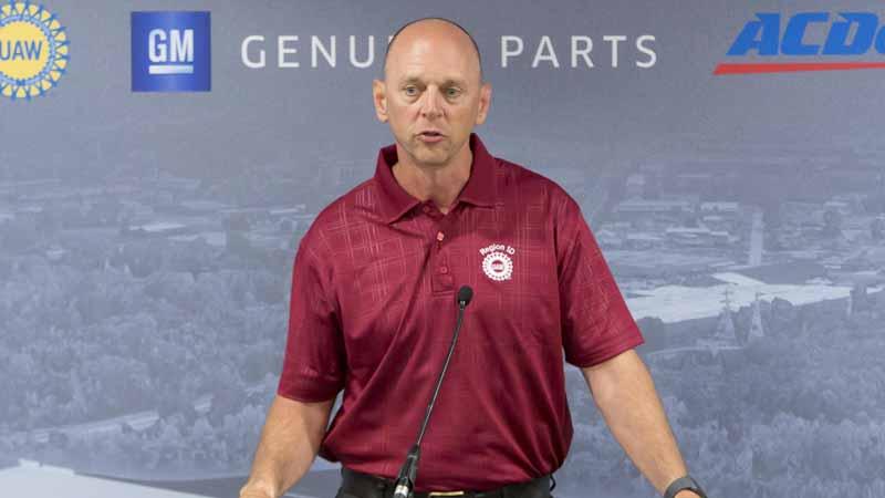 写真は、UAW(United Auto Workers・全米自動車労働組合) Local 651の代表を務めるスコット・ヘンリー氏