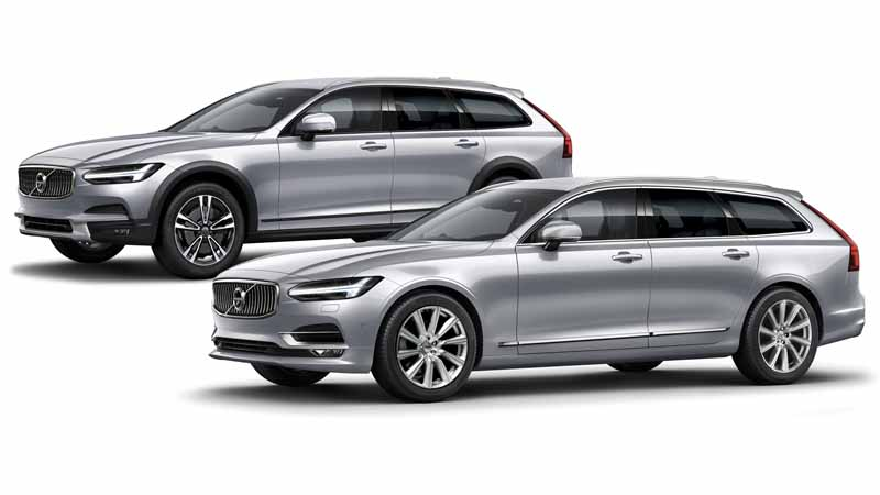 V90 Cross Country D4 AWD Summum(左) V90 D4 Inscription(右)