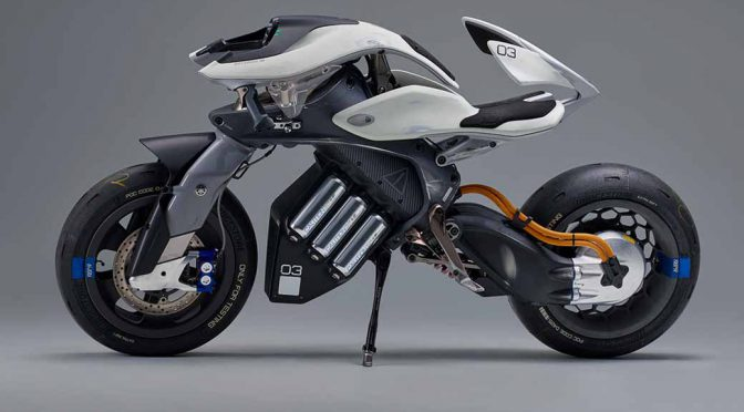 ヤマハのEV2輪モトロイド、国際デザインコンペで大賞獲得