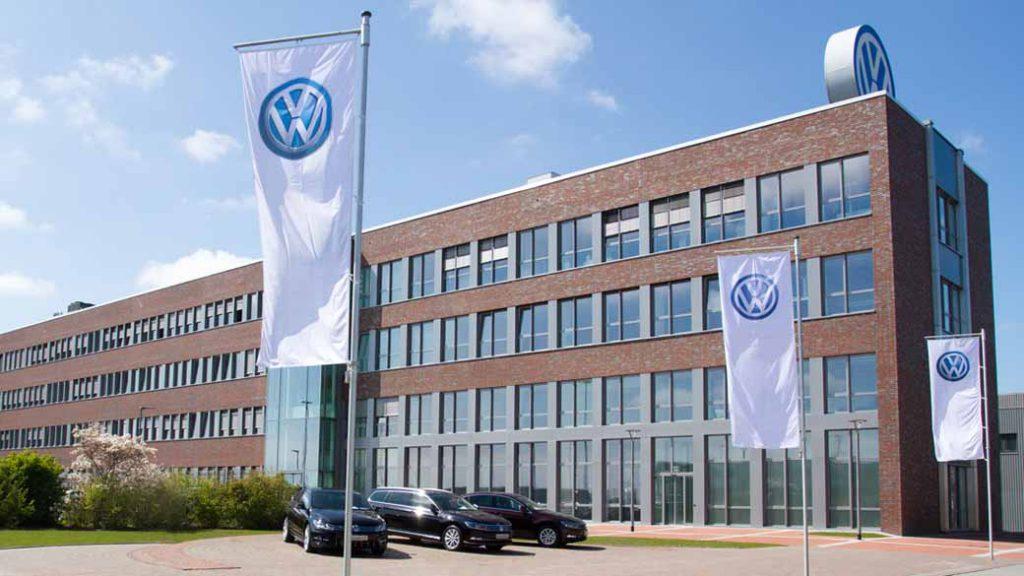 写真は独・フォルクスワーゲンAGのエムデン工場。同工場があるのは、ブレーメン州ヴェーザー川の両岸に位置するドイツ最大の産業都市圏内にあたる。同工場は総面積410万平方メートルで、建屋はその約40%を占める。