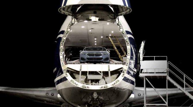 BMW、8シリーズクーペの空輸によるXmas納車を実施