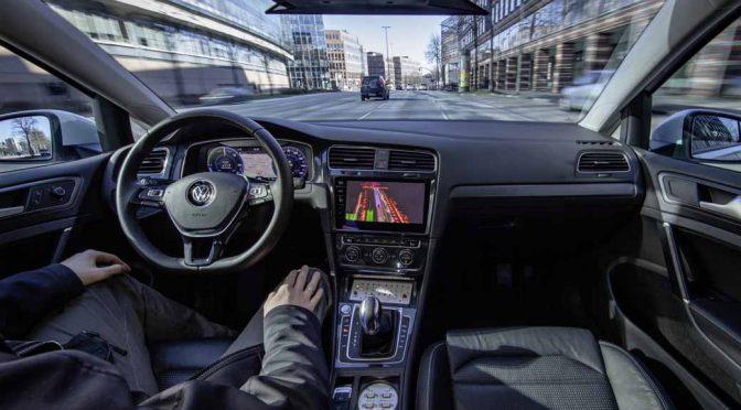 独VW、ハンブルク市で自動運転車の走行テストを実施