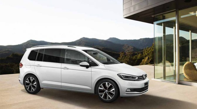 VW、7人乗りのゴルフトゥーランTDIプレミアム発売
