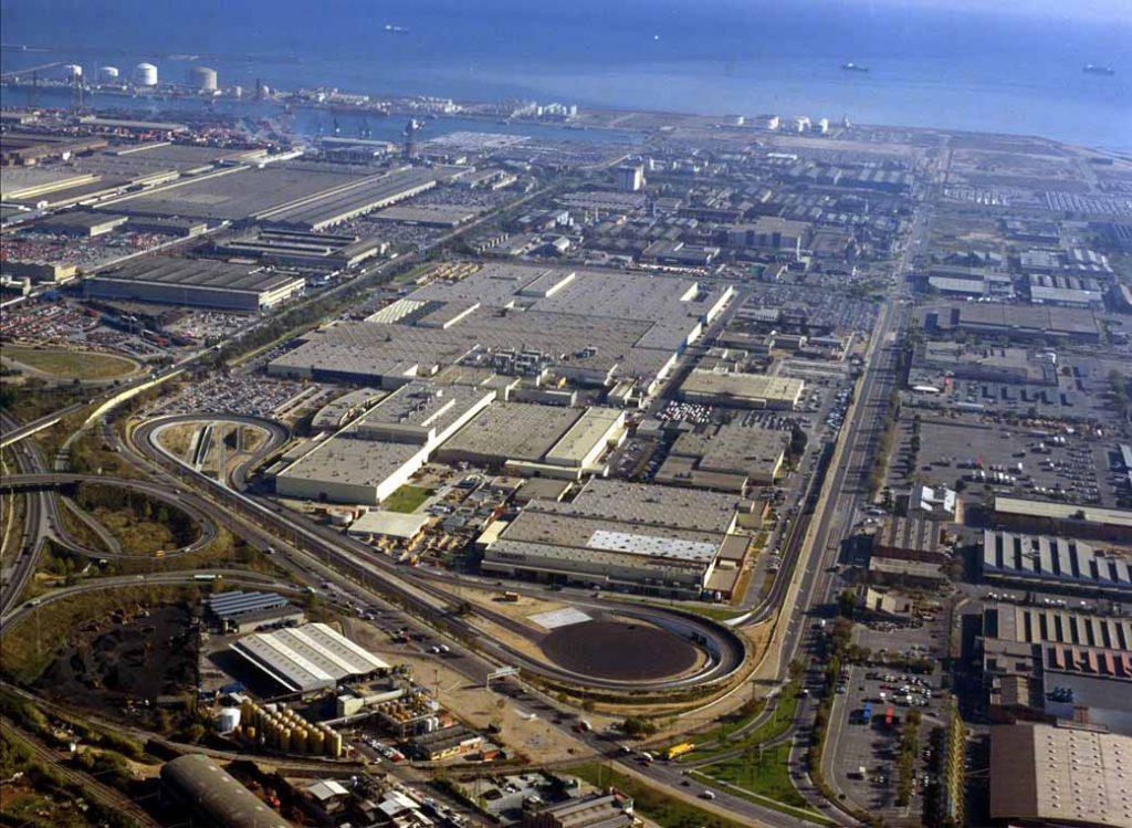 写真は渦中の真っ只中にあるスペイン・バルセロナ工場の全景